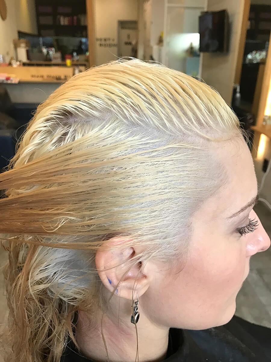 Bleached hair level 10