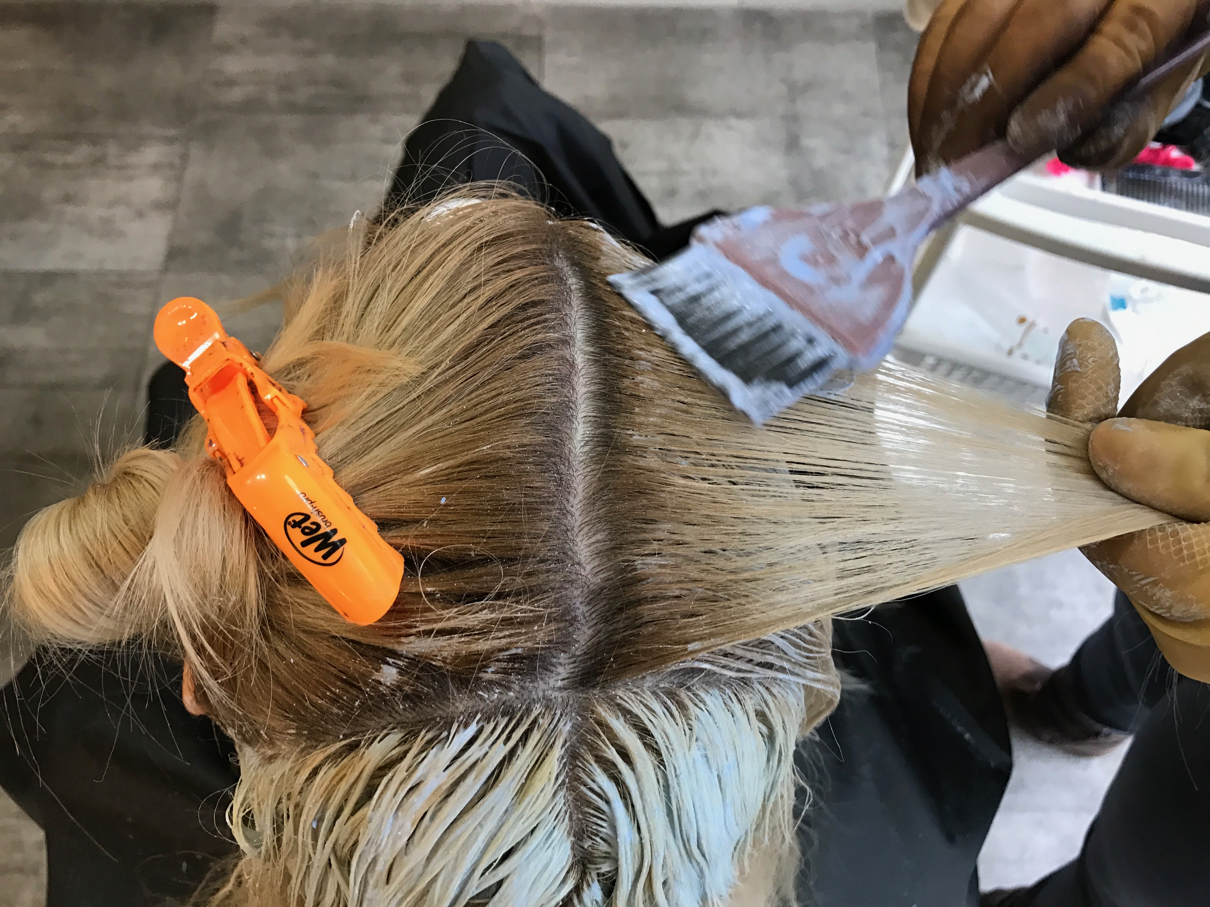 Application of Brilliant Blonde